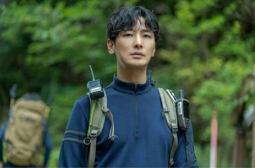 "TvN's New Drama ""Cliffhanger"" Starring Ju Ji Hoon and Gianna Jun"